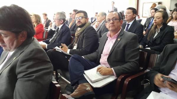 Concertando el camino para  refrendación e implementación de acuerdo con las Farc