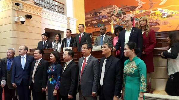 Visita de la Asamblea Nacional de la República Socialista del Vietnam