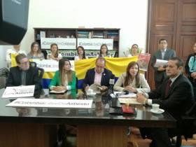 Oscar radica proyecto de ley: Colombia Libre de Asbesto