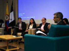 Oscar panelista en el Seminario sobre etiquetado de alimentos