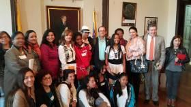 Reunión con mujeres jóvenes del país