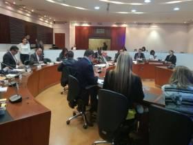 Aprobación de diversos proyectos de ley